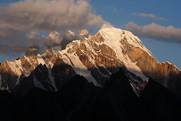 85- Urdukas Peak at dawn