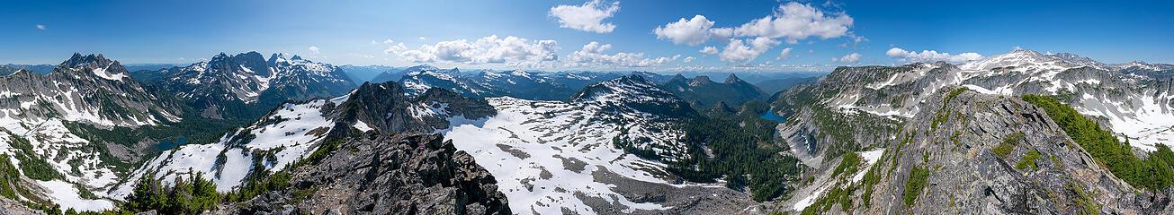 La Bohn Peak summit pano