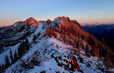 Moon rising over American Ridge