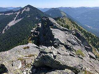 Looking east, I ran the ridge, then hiked out the Mount Defiance/Mason Lake Trail.