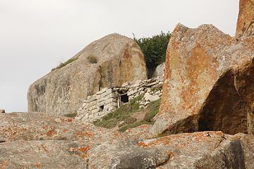 59- Dwelling above Urdukas