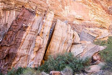 massive boulders along the hermit creek trail