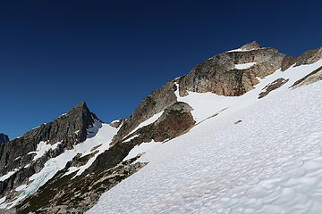 traverse towards the glacier with Outrigger Peak