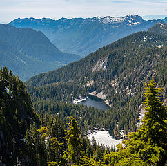 View down into the Middle Fork valley. Green Ridge and Hi-Low lake below. Teneriffe-to-Bessemer ridge above.