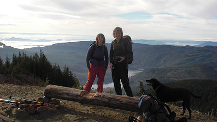 Shona and Melissa at the tower just below the true summit.
