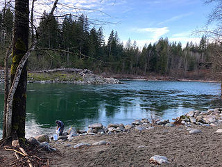 Gold panning at Big Eddy Park on the Skykomish River 1/26/19