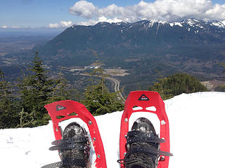 Mt. Si, Teneriffe in the distance. This is the fake summit. Still a ways to go.