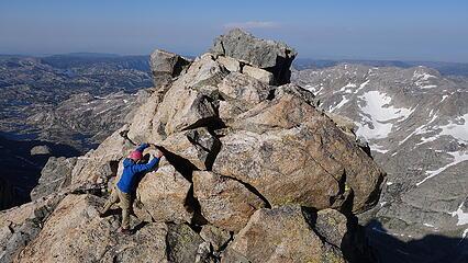 Boulder traverse after the jump