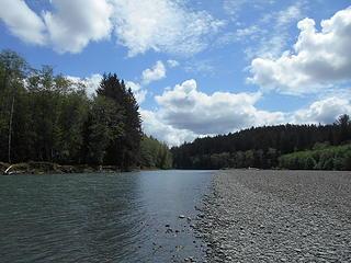 Queets River at Hartzell Creek 051719 05