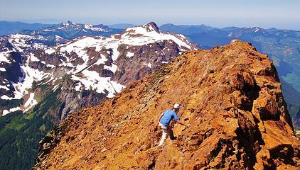 Gimpilator on the west summit with Tomyhoi Peak (7,451':)