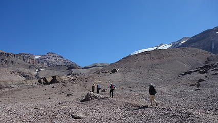 Hiking from Piedra Numerada to Camp Federacion