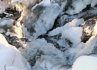 Outflow with Icicles