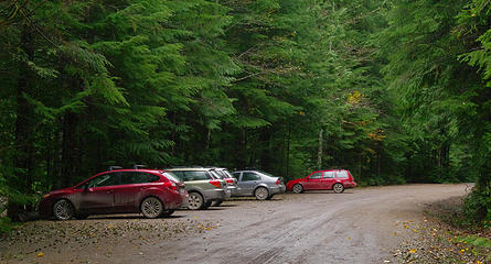 cars at the Suiattle River Trail trail head.