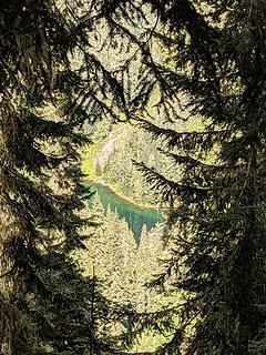 Peek-a-boo views of Marten Lake