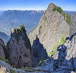 View down into the spectacluarly rugged gully betwee the main and north peak
