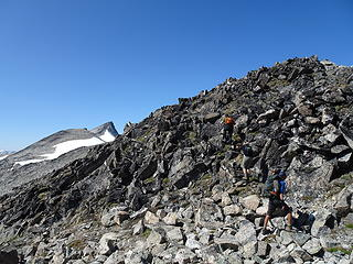 Climbing bumps, Stanza summit in left background