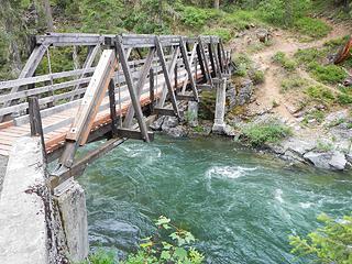 Cle Elum River bridge