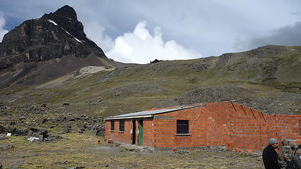 Refugio Condoriri at the base of Aguja Negra