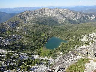 Colt Lake to the north of Grave Peak.