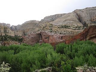 Big Navajo walls