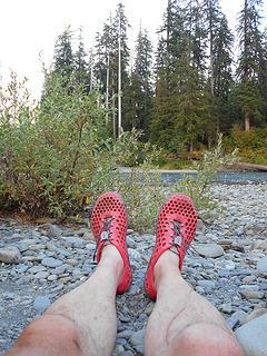 shoe shot - Queets River below Tshletshy 080917