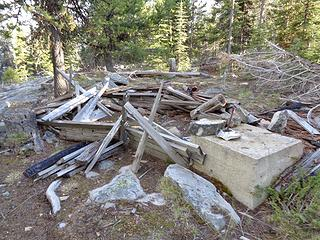 Debris from lookout on Mt Annie summit.