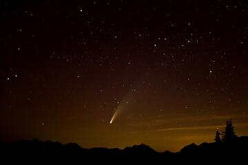 Neowise Comet from Mt. Stone 071520 (photo courtesy C. Sampaio) 01
