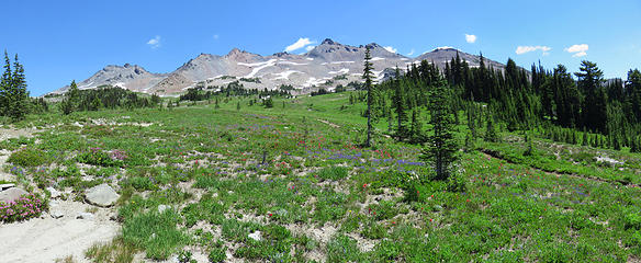 Early views of Klickitat Ridge Peaks from PCT
