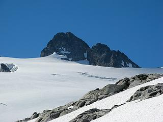 Second rope team on Challenger Glacier (four dots in center)