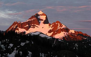 Hozomeen North summit viewed from the north at max alpenglow (7/1/07)