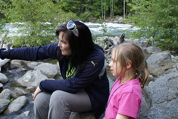 Jessie and Annika along Wenatchee River