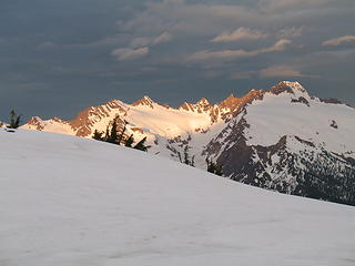 Beautiful light on Twin Sisters Range.