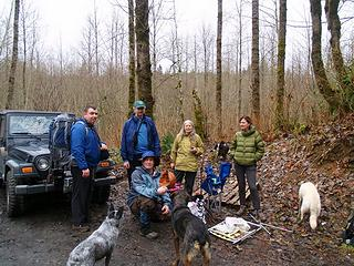 Group shot, Hulksmash, JimK, DogPatch, BadDog, and GeoHiker with a ball Rocky found.