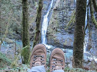 Boulder falls boot shot