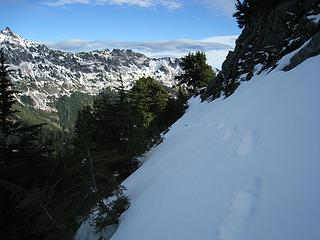 boot prints in firm snow on north side of ridge - ice axe used here ::)
