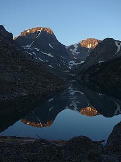 Perfect sunrise on Black Canyon Lake