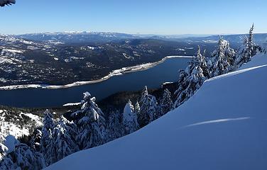Cle Elum Lake down below