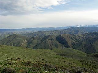 Who mows these mountain ridges ?