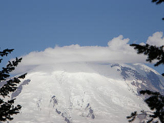 Zoom Rainier as it start to open up more on Crystal Peak trail.