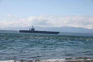 USS Lincoln heading out to sea