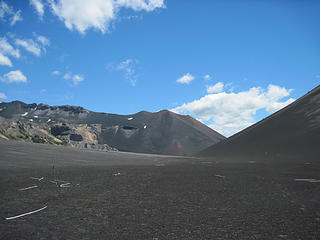 Towards the small volcano we ascended from el Portezuelo (pass)