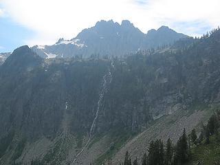 2:25pm, 6400 feet, Traversing to Devore waterfall