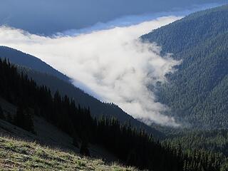 Sea of clouds retreating slighty