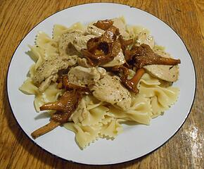 Chicken and Chantrelles with Farfalle 100520