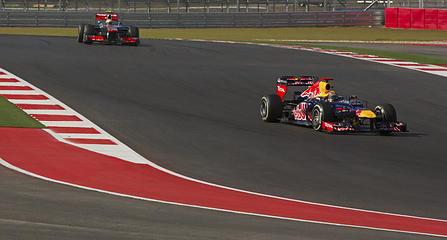 COTA F1 Race 2012 Hamilton hunting down Vettel