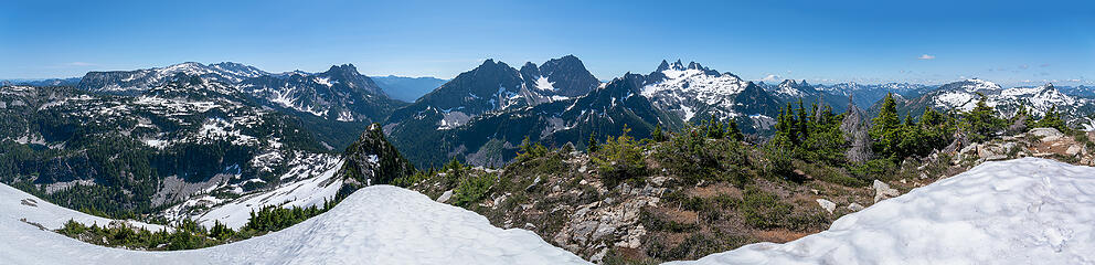 Iron Cap summit pano