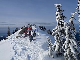 Summit lingerers