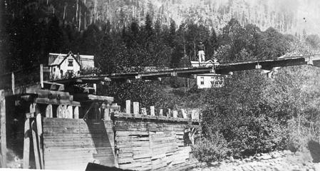 Silverton Suspension Bridge in 1936