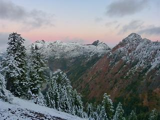 Snoqualmie, Lundin, and Red at Dawn