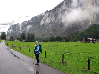 barb-hiking-in-lauterbrunnen-valley